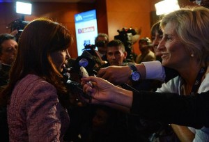 CFK en la UIA con la prensa