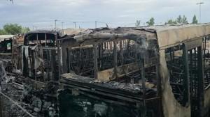 Fiscal confirmó que fue intencional el incendio de colectivos de Autobuses Santa Fe