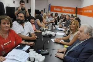 Gobierno bonaerense y gremios inician paritaria docente