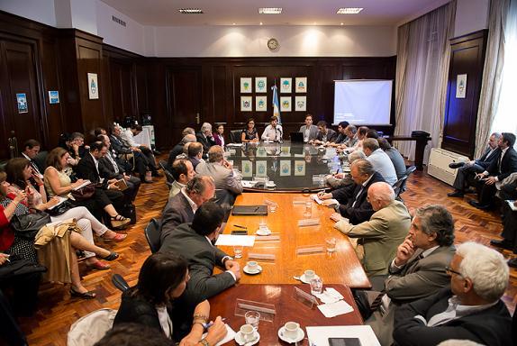 Comercio exterior gobierno k traz pautas anuales con las for Gobierno exterior