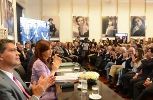 """CFK se refirió a la marcha del #18F: """"A ellos le dejamos el silencio"""""""