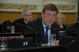Mestrista reprochó en duros términos discurso de De la Sota