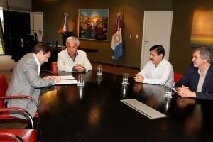Encuentro Mestre y De la Sota por transferencia de fondos para escuelas municipales ($82M)