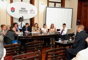 """Amplio aval de """"notables"""" ( de la Justicia) a las postulaciones de López Peña y Bustos Fierro"""