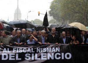 La lluvia, ni las críticas K, impidieron que una multitud se sumará a la marcha #18F
