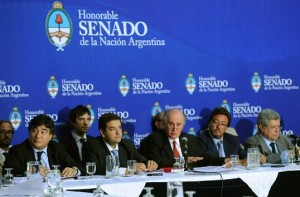 """Senado: El Gobierno K defendió proyecto AFI y acusó a la oposición de """"intolerante"""""""