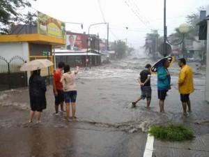 villa allende inundada dos