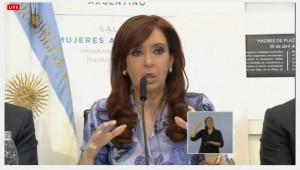 """Con la ampliación de cobertura del Progresar a más jóvenes, CFK destacó que se """"universaliza"""" un derecho"""