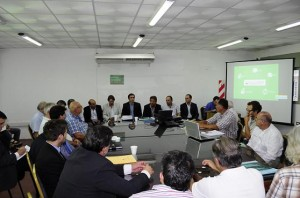 Campo: Según el ministro López, son 500 mil las hectáreas afectadas