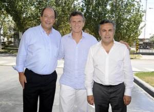 Macri y Sanz con el candidato mendocino