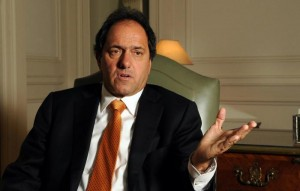 Scioli negó presiones para que baje la precandidatura de Marangoni