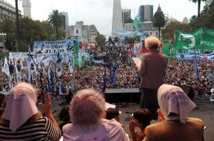 """#24M Pidieron """"juzgar a partícipes civiles"""" de la última dictadura"""