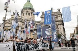 columnas militantes apertura sesiones CFK