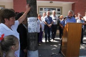 """En su recorrido tras la inundación, De la Sota señaló que Idiazábal """"se va volver a poner de pie"""""""