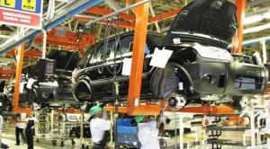 La UIA reportó una caída del 2,1 por ciento de la industria (2014)