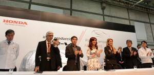 CFK refutó a quienes postulan la necesidad de aumentar la inversión a costa de disminuir la demanda