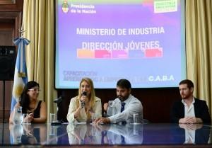 Industria anunció fondos por $100M para proyectos de jóvenes emprendedores