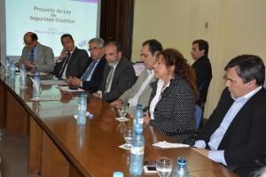 Lopez y Meyer en la unicmaeral proyecto seguridad electrica