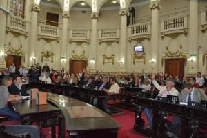 """Polémica por financiamiento: Oposición rechazó """"contrarreforma"""" electoral del oficialismo"""