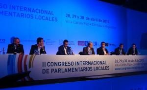 """Cossar expuso sobre """"Concejo Abierto"""" ante parlamentarios locales"""