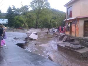 Sierras Chicas: Vecinos reclaman soluciones por los daños sufridos por las inundaciones