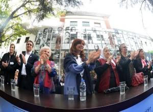 """Al inaugurar el Sitio de la Memoria, junto a Máximo, CFK afirmó que cumple """"un mandato histórico"""""""