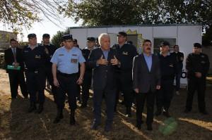 """De la Sota pidió a policías reforzar el """"buen trato"""" con los vecinos"""