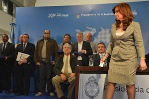 CFK instó a defender la independencia económica y la soberanía política y territorial
