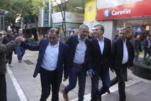Macri con la fórmula de Juntos por Córdoba por la peatonal