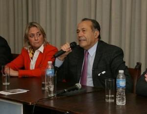 En campaña, Rodríguez Saá se comprometió a crear un millón de empleos y seis millones de viviendas