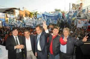 El oficialista Casas gana las elecciones a gobernador