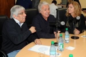 En la CGT moyanista, De la Sota presentó plan económico que incluye reducción del 90% en Ganancias