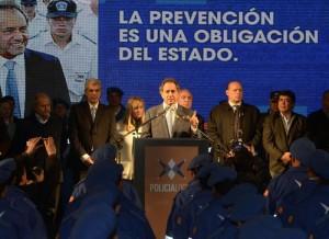 scioli en presidente peron policias