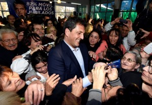 Massa en su visita a Mendoza.