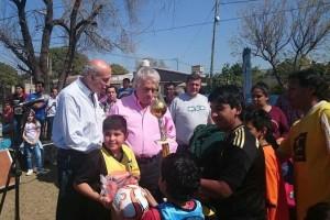 Junto a De la Sota, Dómina se comprometió a impulsar el deporte en los barrios