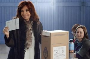 """Mientras Máximo y Cristina reprocharon que hubo campaña """"sucia"""", desde el PRO se denunció robo de votos"""