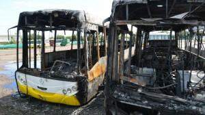 """Tras confirmarse el incendio intencional de colectivos de Autobuses, Mestre sospecha de """"campaña sucia"""""""