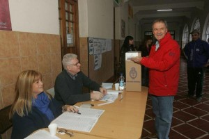 Tras votar, Schiaretti cuestionó las PASO