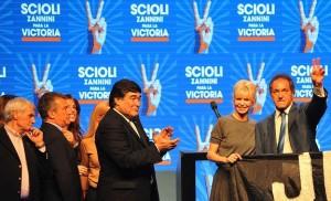 PASO: En cierre de campaña, Scioli pidió votar para adelante y no volver a empezar