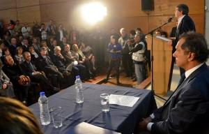 Scioli en la UNC junto al rector Tamarit