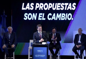 """""""Proponemos terminar con los punteros políticos como Milagro Sala"""""""