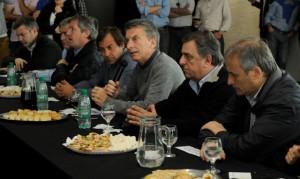 Foto 1. Macri con dirigentes de PRO, UCR y FC en Río Cuarto