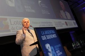"""Pese a la deuda """"abultada"""" de la Nación, De la Sota afirmó que su gobierno sigue haciendo obras"""