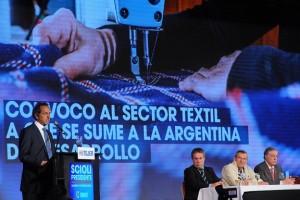"""#Elecciones Scioli se comprometió a """"desarrollar al máximo el mercado interno"""""""