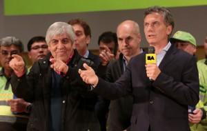 Macri y Moyano se mostraron juntos en un acto en La Boca