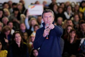 """Macri se comprometió a """"universalizar un ingreso ciudadano"""" y fijó como meta el """"hambre 0"""""""