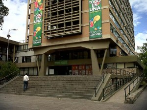 Elección #13S Córdoba vota entre 13 candidatos