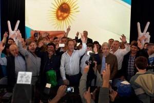 En la ciudad feliz, el PJ bonaerense se mostró unido y Scioli cargó contra Macri