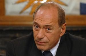 Zaffaroni cuestionó que el control de constitucionalidad de las leyes recaiga en la Corte