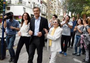 Elecciones: Macri insistió en su pedido de que lo voten y le apuntó a Scioli por negar el narcotráfico